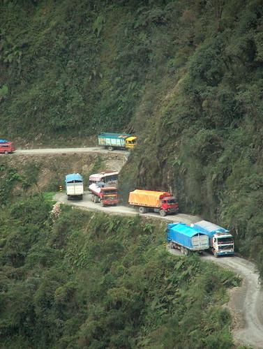 Camiones en la Death Road Bolivia