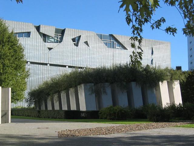 J for Judisches Museum