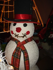 """Snow"" Man (marlenells) Tags: light red 15fav white hat topc25 topv111 scarf snowman misc christmasdecoration i500"