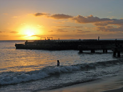 Sunset, Crashboat Beach, Aguadilla, Puerto Rico (Oquendo) Tags: sunset sol beach del puerto pier muelle boat puertorico crash playa rico sd400 puesta crepsculo balneario aguadilla crashboat oquendo