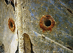 Carcasse Hoceima... (Délirante bestiole [la poésie des goupils]) Tags: old boat rusty maroc marocco wreck alhoceima rouille carcasse épave