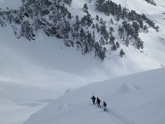 Abriendo huella (seni1977) Tags: espaa snow mountains nieve 100club montaas espaol benasque pirineos montes posetsmaladeta 50club
