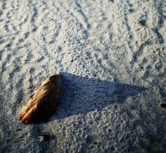 3 o' clock (jjhasantiago) Tags: beach whitesand peaceofmind