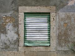 cromos repetidos de carnide - 3 (*L) Tags: lisboa janela parede ud ruína abandonada emparedada umadestas decadência carnide umacasa