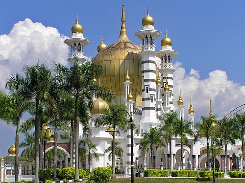masjid ubudiah ialah sebuah masjid di bukit chandan kuala kangsar ...