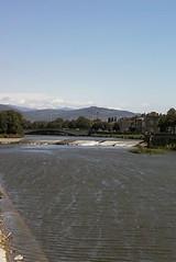 As through Pisa, the river Arno also flows through Firenze