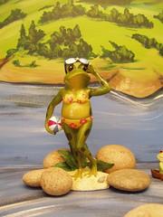 20060902 Frog in a Bikini