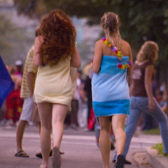 Pyjama Parade - Sort Of (KennethMoyle) Tags: hair legs hamilton towel lei towels braids mcmasteruniversity frosh mcmaster swishy westdale hamiltonontario froshweek girlsgonemild pyjamaparade