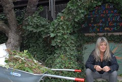 GEA_0008 (patGRAHAM melanieSTANDAGE) Tags: portrait england garden artist essex epping permaculture gsus crass sustainableliving organicfarming patgraham 96gillespie geesus geevaucher melaniestandage grahamstandage dialhouse ongarparkhall
