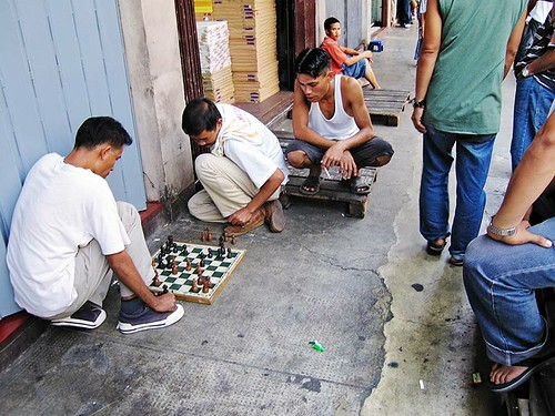 Chinatown, Manila men playing chess  Buhay Pinoy Philippines Filipino Pilipino  people pictures photos life Philippinen  菲律宾  菲律賓  필리핀(공화국)  board game