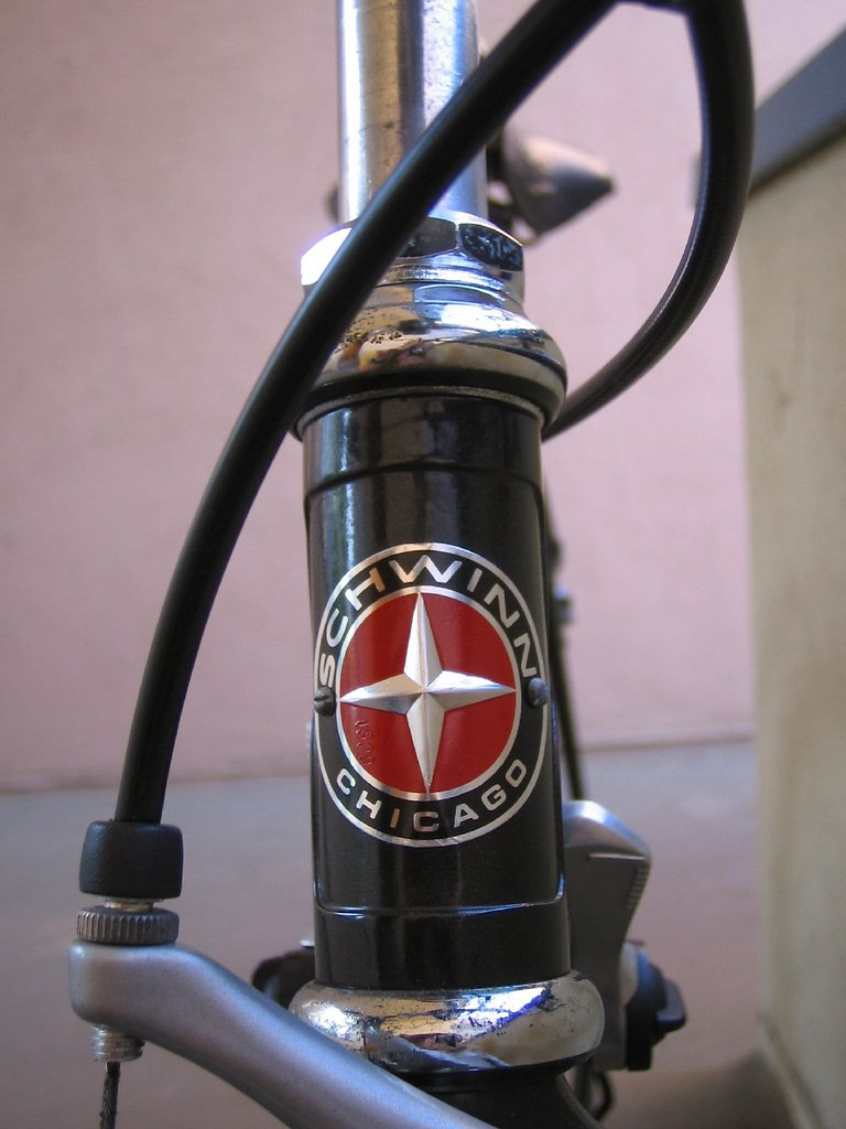1989 Schwinn Prelude headbadge