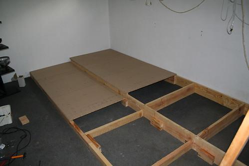 G66k magazine ma salle de cin ma d tails - Estrade en bois pour lit ...