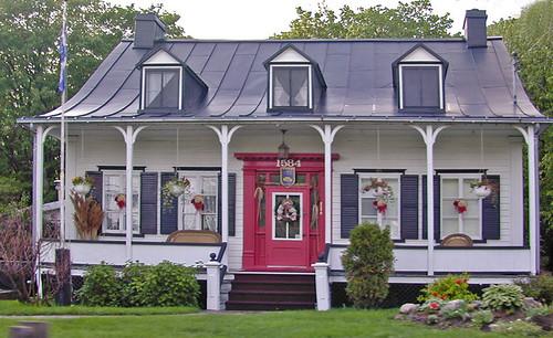 maison traditionnelle sur lle dorlans qubec - Maison Canada