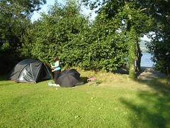 Camping in Ireland (nand_) Tags: 2005 camping ireland green grass tent hedge ire campingie