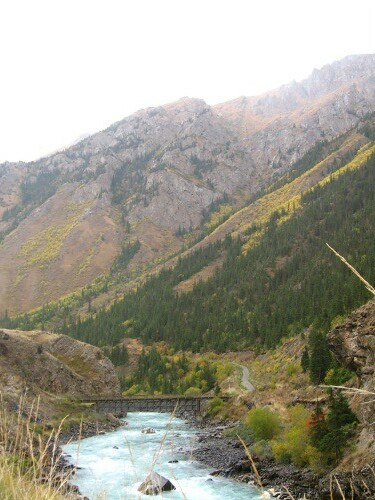 Just before the Kichi-Narin river goes into gorge-mode - past Oruk-Tam, Kyrgyzstan