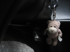 hang on (zophonias) Tags: bear car keychain keyring key teddy skirt teddybear bangsi leathershoe suzukibaleno lyklakippa