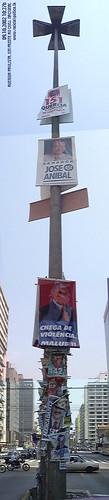 Poste com propaganda politica na Paulista em 2002 by tupi