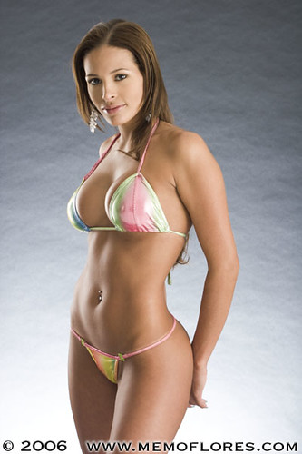 Latino Models: Bikinis photoshoot for promotional calendar