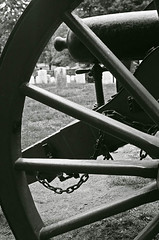 cannon (vicki wolkins) Tags: bw white black cemetery geotagged gettysburg cannon utatainhalf geo:lat=3981803 geo:lon=77245045 twtmesh210732