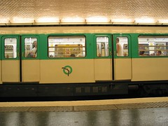 Metro (Borys Kozielski) Tags: paris pary