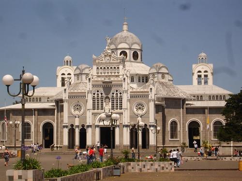 Basilica de la Virgen de los Angeles, Cartago, Costa Rica por Asia Tico.