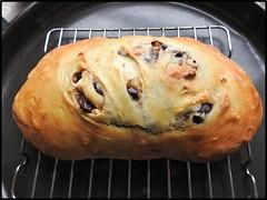 Pan de olivas negras, romero y nueces (marialuz_fernandez) Tags: rosemary romero walnuts nueces oliveoil blackolives aceitunasnegras pan bread breadin5