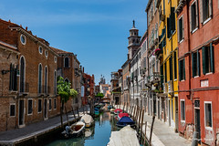 Venice (Magda Banach) Tags: canal canon canoneos5dmarkiv italy wenecja włochy architecture blue bluesky boats buildings city colors reflection sky venice view wallet venezia veneto it