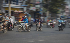 Traffic Saigon (Rossyplaya) Tags: saigon trafico traffic movimiento movement vietnam streetphoto streetphotography