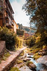 Robledillo de Gata (AntonioOQ) Tags: robledillodegata cáceres extremadura viajes paisaje rural sierra de gata arroyo rio arboles casas