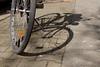 Fahrrad (Sockenhummel) Tags: fahrrad livländischestrasse schatten fuji x30 bike bicycle shadow rad licht sonne strase