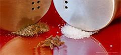 Pfeffer und Salz ... (Harald Steeg) Tags: macromondays condiments