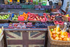 Smoothie-Stand am Markt in London (marcoverch) Tags: londonmarathon2018 london smoothie stand markt market fruit obst food lebensmittel apple apfel supermarket supermarkt basket korb sale verkauf shopping einkaufen stall grow wachsen stock vegetable gemüse marketplace marktplatz shop geschäft kind nett sell verkaufen abundance fülle noperson keineperson peach pfirsich healthy gesund arbre nyc outside catwa harbour scotland mono plastic airbus hiking