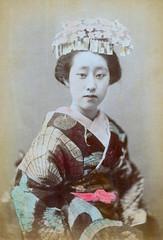 O-En of Shinbashi 1890s (Blue Ruin 1) Tags: geigi geiko geisha shinbashi shimbashi tokyo japan japanese meijiperiod 1890s genrokustyle oyen oen