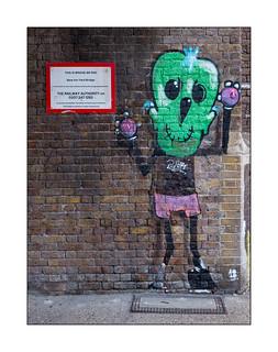 Street Art (Mowscodelico), East London, England.