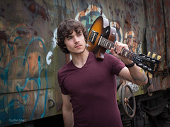 Promoción BIDEAN (Troylo@stur) Tags: musica music musico guitar guitarra gibson bidean disco album color vagones tren graffiti luznatural canon 35mm