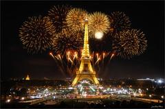 Golden Tower (Jean-Michel Priaux) Tags: paris france eiffel toureiffel tower night fireworks priaux lighit party