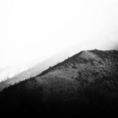 foggy alps in b&w (saraconve) Tags: mountain mountains alps alpi montagne montagna nature natura mothernature black blackandwhite white bianco biancoenero nero bnw bw bn grain grainy noise noisy disturbo rumore contrast contrasto nikon nikoncoolpix nikoncoolpixp600 nikonp600 nikonitalia nikonphotography italia italy torino turin coolpix coolpixp600 p600 photography digitalphotography digital digitale fotografiadigitale vintagelook square bsquare squareformat quadrato 11 cielo sky skies cloud clouds fog nebbia nuvola nuvole