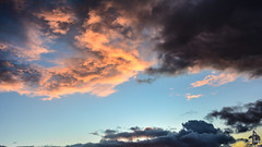 Les nuages prennent leurs couleurs crépusculaires (Ath Salem) Tags: algérie algeria argelia الجزائر nikond5200 sunset clouds nuage colors couleurs coucherdesoleil sky ciel beautiful sétif eulma maghreb africa afrique northafrica afriquedunord