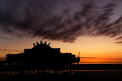 Papa's (alan.irons) Tags: pier beach humberside humberestuary sunrise clouds silhouette papa fishchips restaurant sea
