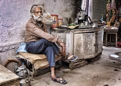 The tea station, Delhi spice market (Gerrykerr) Tags: ngc travel people street delhi india