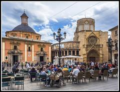Paseando por Valencia (edomingo) Tags: edomingo olympusomdem10 mzuiko1240 valencia basílica virgendesamparados arquitectura
