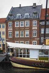 Denmark - Copenhagen - Nyhavn (Marcial Bernabeu) Tags: marcial bernabeu bernabéu denmark danmark dinamarca danish danes danés danesa scandinavia escandinavia copenhague copenhagen puerto nyhavn boat ship barco