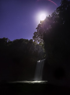 Rise of the Moon // Bassin la paix