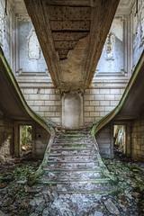 Le jour d'après... (ForgottenMelodies) Tags: france abandoned abandonné castle château decay derelict exploration forgotten k3 lost manor oublié pentax urban urbex nicolasauvinet
