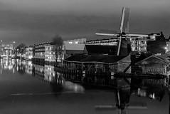 Night Mill (176/365) (Walimai.photo) Tags: black white blanco negro byn bw branco preto blanc noir nikon d7000 nikkor 35mm amsterdam holland holanda netherlands night noche