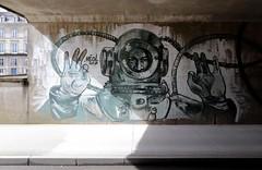 Héol Art - Le Scaphandrier (Thethe35400) Tags: artderue arteurbano arturbain arturbà arteurbana calle grafit grafite grafiti graffiti graffitis graff mural murales muralisme plantilla pochoir stencil streetart schablone stampino tag urbanart plongeur scaphandrier diver