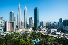 Kuala lumpur skyline, Malaysia (Patrick Foto ;)) Tags: 2018 architecture asia asian blue building buildings business capital center cities city cityscape day design downtown financial high klcc kuala landmark landmarks landscape lumpur malaysia modern morning office outdoor outside panoramic petronas place scene sky skyline skyscraper tall tallest tourism tower towers town travel tree twin urban view viewpoint world kualalumpur wilayahpersekutuankualalumpur my