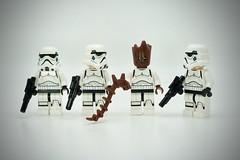 LEGO Stormtrooper Groot (Pasq67) Tags: lego minifigs minifig minifigure minifigures afol toy toys flickr legography pasq67 starwars stormtrooper france marvelcomics marvel comics 2018 disney groot teengroot