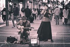 IMG_5324 (goldenfox007) Tags: people gente argentina santafe calle street sing music cantar cancion bn blancoynegro blackandwhite bw 50mm