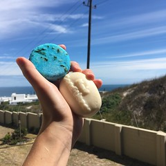 Plastic free shampoo & conditioner (rjmiller1807) Tags: shampoo conditioner solidshampoo solidconditioner lush lushcomestics southafrica blouberg bloubergstrand westbeach capetown seanik biglush south africaseaoceancloudsskyiphoneiphonographyiphone se2017reduceplastic pollution